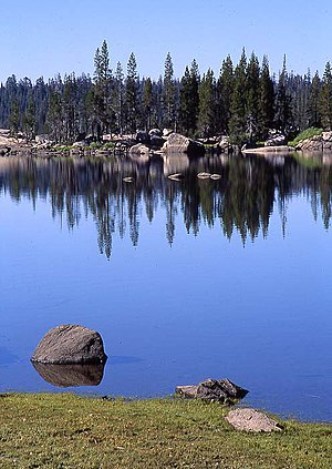 Lake Alpine - Image: Lake Alpine