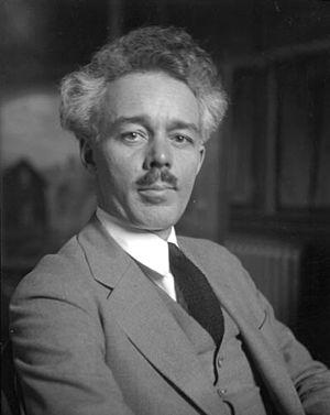 Lawren Harris - Lawren Harris, April 25, 1926, photographed by M.O. Hammond