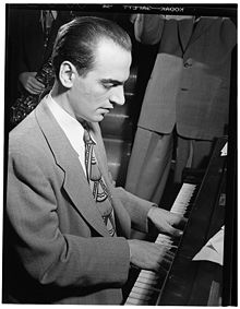Lennie Tristano, proks. 1947. Foto de William P. Gottlieb