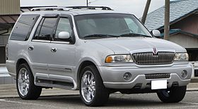 Lincoln Navigator(first generation).JPG