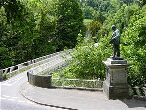 Llandinam Bridge - Llandinam Bridge with a statue of industrialist David Davies.