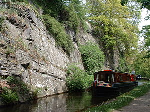 Llangollen Canal - Llangollen canal: The final narrows before Llangollen