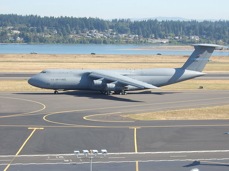 File:Lockheed C-5 Galaxy taxiing at PDX.JPG