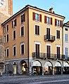 Lodi - edificio piazza della Vittoria 1.jpg