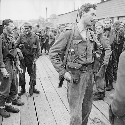 Lt Col The Lord Lovat, CO of No 4 Commando, at Newhaven after returning from the raid Lord Lovat, Newhaven, 1942.JPG
