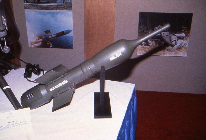 جميع الأسلحة المستخدمة من طرف الجيش الجزائري 800px-MILAN_%282%29_1986
