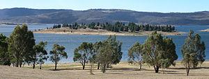 Jindabyne Dam - Image: MK3043 Lake Jindabyne