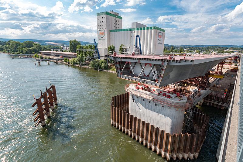 File:MK37811 Neubau Schiersteiner Brücke.jpg