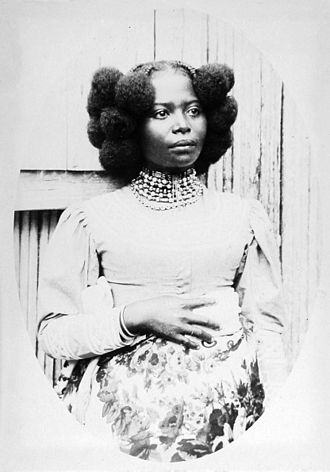 Afro-textured hair - Woman from the island of Nosy Be, in Madagascar, c. 1868
