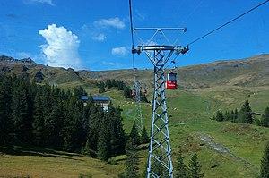 Grindelwald–Männlichen gondola cableway - View towards the summit