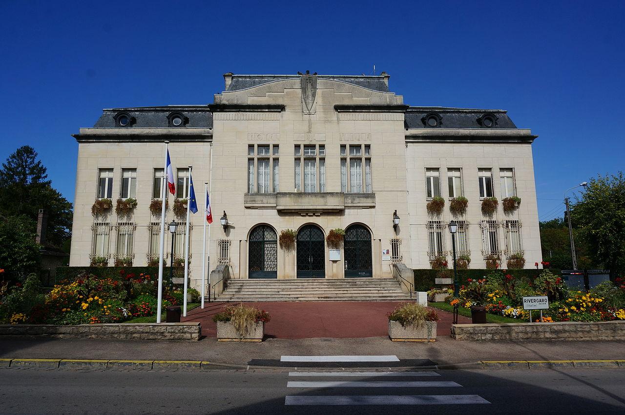 Mairie st-Julien 07841.JPG
