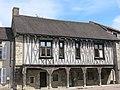 Maison aux piliers (Vitteaux, Côte d'Or).jpg
