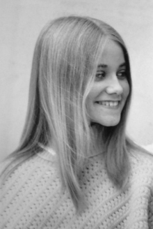 A 1971 photograph of Maureen McCormick as part of a 1971 The Brady Bunch promotional campaign.