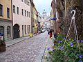 Meissen - Blick durch die Burgstra e auf den Marktplatz, im Hintergrund die Frauenkirche.jpg