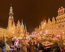 Mercado de Navidad, Plaza del Mercado, Breslavia, Polonia, 2017-12-20, DD 41-49 HDR PAN.jpg