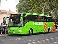 Mercedes-Benz Tourismo (vue avant) - Flixbus (Agde, 2017).jpg