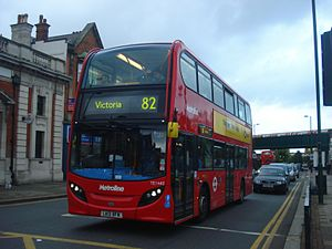 Metroline TE1440 on Route 82, Golders Green.jpg