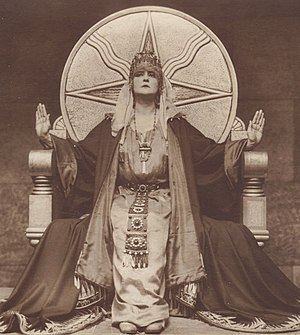 The Mistress of the World - Mia May as the embodiment of the goddess Astarte in Part V