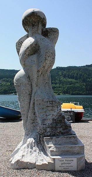 File:Millstatt - Skulptur - Von Neuem geboren (Michael Printschler).jpg