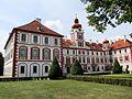 Mnichovo Hradiště (zámek).jpg