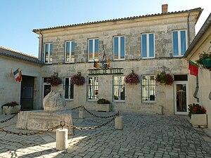 François de La Rochefoucauld, Marquis de Montandre - Montendre Town Hall at the heart of the village in which de La Rochefoucauld was born