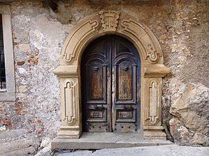 Novara di Sicilia - typical door in stone