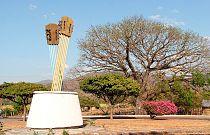Monumento a Las Guitarras.jpg