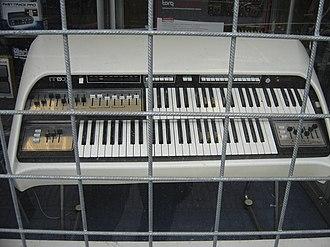Thomas Organ Company - Chordovox CDX-0652 with Moog synthesizer on upper manual, manufactured by Thomas Organ (1976)