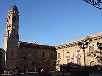 Morata de Jalón - Palacio del conde de Morata - Iglesia.jpg