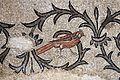 Mosaico pavimentale della basilica di aquileia, 313-350 dc. ca., uccello tra racemi 01.jpg