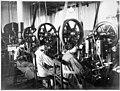Munitions italiennes - fabrication des fusées - Médiathèque de l'architecture et du patrimoine - AP62T104572.jpg