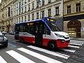 Na poříčí, autobus 194 (01).jpg