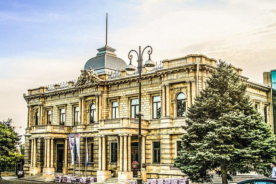 National Art Museum of Azerbaijan (de Burs House) edited