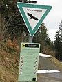 Naturschutzgebietsschild bei der Ochsenberg-Kurve der Schauinslandstraße.jpg