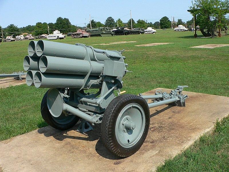 أسلحة الحرب العالمية الثانية  800px-Nebelwerfer_41_2