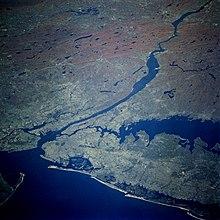L'embouchure de l'Hudson vue depuis la navette spatiale