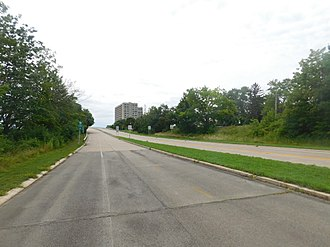 Niagara Scenic Parkway - The Niagara Scenic Parkway in Niagara Falls from the trail portion of the southbound roadway