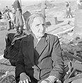 Nieuw aangekomen oudere emigrante in het doorgangskamp St Lucas bij Haifa, Bestanddeelnr 255-1180.jpg