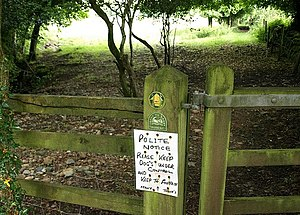 English: Notice by the Erme-Plym Trail Certain...