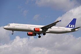 OY-KBB Airbus A321 SAS Scandinavian Airlines (13934594574).jpg