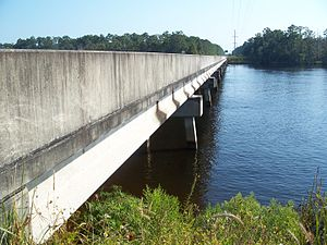 Ochlockonee River - Image: Ochlockonee River US 319 bridge south 03