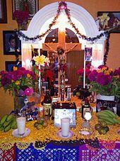 https://upload.wikimedia.org/wikipedia/commons/thumb/9/99/Ofrenda_Jaime_Cervantes.jpg/170px-Ofrenda_Jaime_Cervantes.jpg