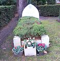 Omar Ali-Shah Grave Brookwood.jpg