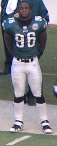 Omar Gaither on sidelines in 2007.jpg
