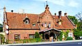 Ostromecko - Dom, pobudowany w 1905 r. z okazji 100-lecia osiedlenia w Ostromecku Schönbornów-Alvenslebenów. - panoramio.jpg