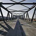 Overzicht door het midden van de brug - Zaltbommel - 20384845 - RCE.jpg