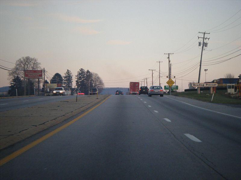 File:PA 61 SB past Orchard Lane Leesport.JPG