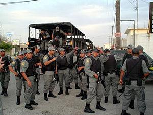 Fuerzas policiales de la PFP alistándose para ...