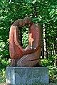 PL-PK Mielec, rzeźba Rodzina (Maria Owczarczyk 1987-1989) 2016-08-12--08-49-23-001.jpg