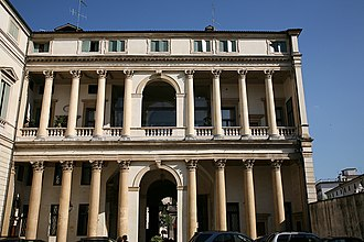 Palazzo Thiene Bonin Longare - The double-storey loggia in the courtyard